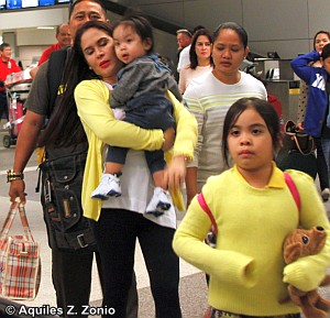 Photo of Manny Pacquiao & his  Daughter   Mary Divine Grace Pacquiao